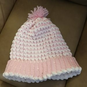 🇨🇦 Handmade pink and white knit hat